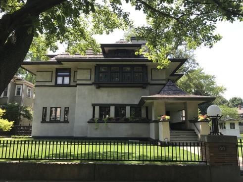 Edward R. Hills Decaro House, 1906, 1977 Oak Park (2)